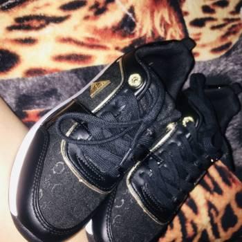 Foto Carousel Producto: Zapatos guess originales  GoTrendier