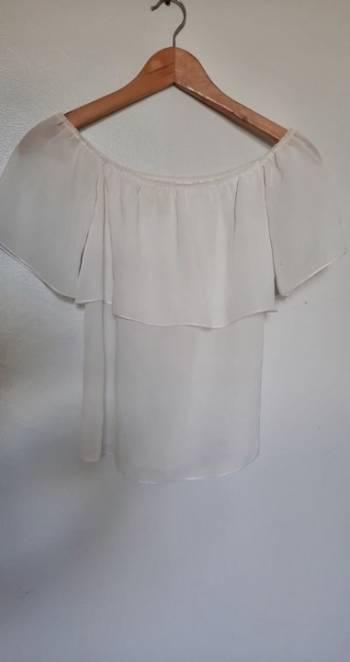 Foto Carousel Producto: Blusita blanca semi transparente GoTrendier