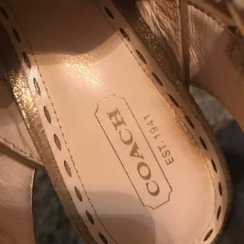 Foto Carousel Producto: COACH  SANDALIAS EN CUERO  DORADA no. 37 GoTrendier