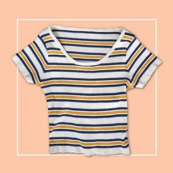 Foto Carousel Producto: Croptop blanco, amarillo y azul GoTrendier