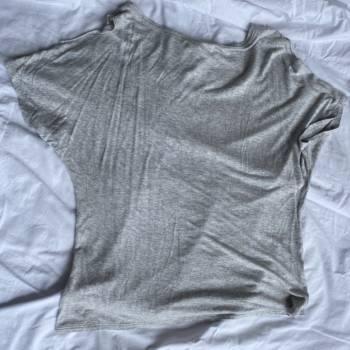 Foto Carousel Producto: Camiseta gris de Tennis GoTrendier