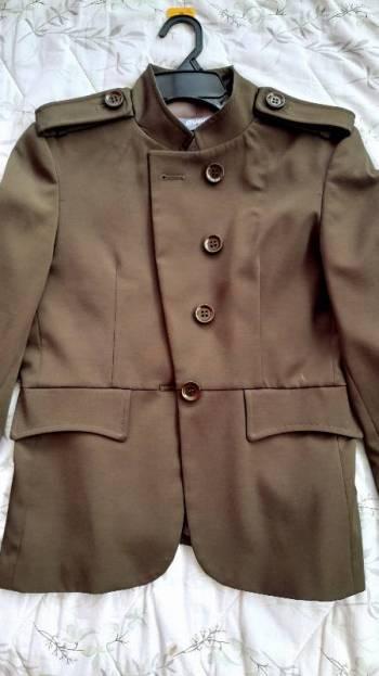 Foto Carousel Producto: Chaqueta verde militar de everfit. GoTrendier