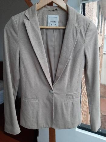 Foto Carousel Producto: Blazer Pull&Bear beige GoTrendier