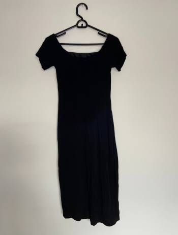 Foto Carousel Producto: Vestido Negro Midi GoTrendier