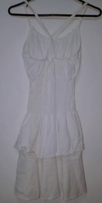 Foto Carousel Producto: Vestido blanco artesanal GoTrendier