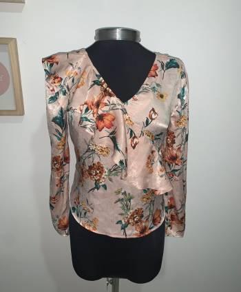Foto Carousel Producto: Jaén + blusa GoTrendier