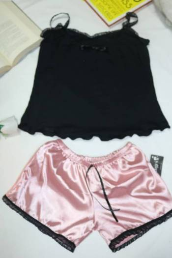 Foto Carousel Producto: Conjunto satin rosada GoTrendier