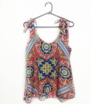 Foto Carousel Producto: Blusa estampada cadenas  GoTrendier