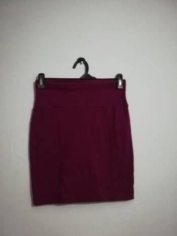 Foto Carousel Producto: Falda tiro alto color vino  GoTrendier