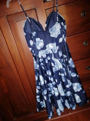 Foto Carousel Producto: Vestido de flores azul  GoTrendier