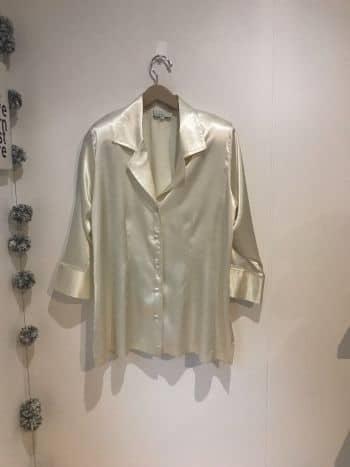 Foto Carousel Producto: Blusa beige manga 3/4 GoTrendier