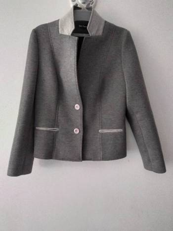 Foto Carousel Producto: Blazer gris de Giorgio Capriani GoTrendier
