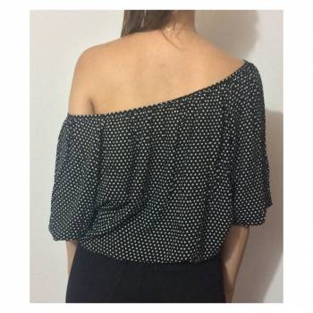 Foto Carousel Producto: Blusa negra de puntos blancos  GoTrendier