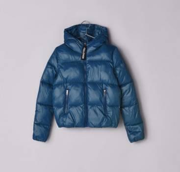 Foto Carousel Producto: Chaqueta Puffer bershka morada azul  GoTrendier