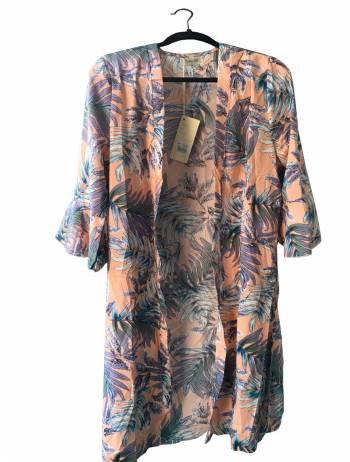 Foto Carousel Producto: Kimono rosado GoTrendier