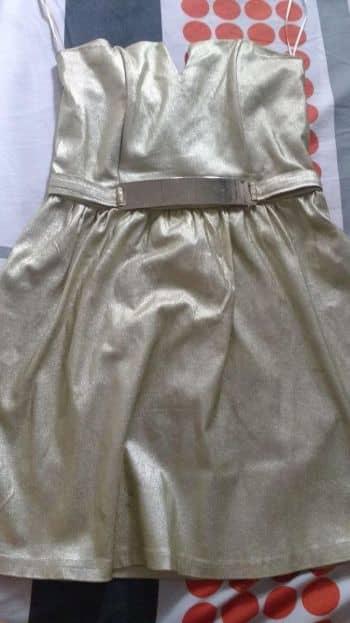 Foto Carousel Producto: Vestido dorado nuevo GoTrendier