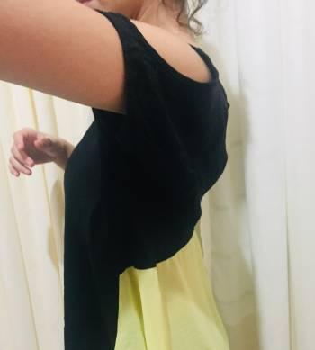 Foto Carousel Producto: Hermosa blusa en seda y chalés GoTrendier