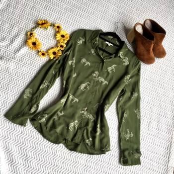 Foto Carousel Producto: Blusa verde oliva Zebras GoTrendier