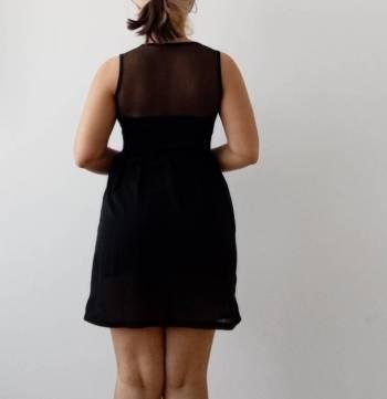 Foto Carousel Producto: Vestido negro casual con transparencias GoTrendier