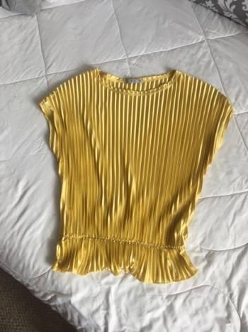 Foto Carousel Producto: Blusa amarilla plizada Zara  GoTrendier