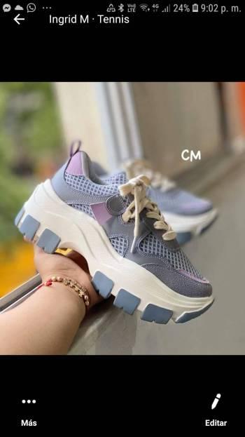 Foto Carousel Producto: Lindos tennis azulitos GoTrendier