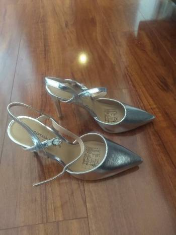 Foto Carousel Producto: Zapatos Plateados GoTrendier