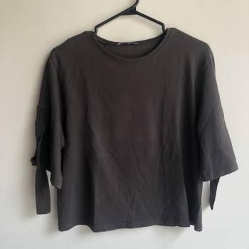 Foto Carousel Producto: Camiseta de zara gris oscuro GoTrendier