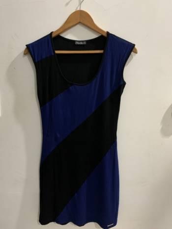 Foto Carousel Producto: Vestido corto licrado negro GoTrendier