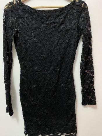 Foto Carousel Producto: Vestido studio F, encaje negro GoTrendier