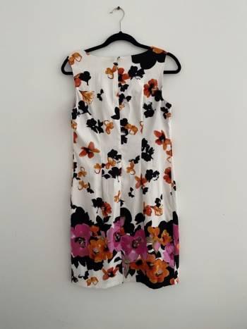 Foto Carousel Producto: Vestido Dressbarn color Crema Floral  GoTrendier