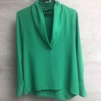Foto Carousel Producto: Blusa verde Zara GoTrendier