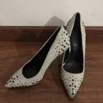 Foto Carousel Producto: Zapatos de tacon con taches GoTrendier