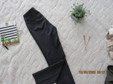 Foto Carousel Producto: Pantalón gris a rayas GoTrendier