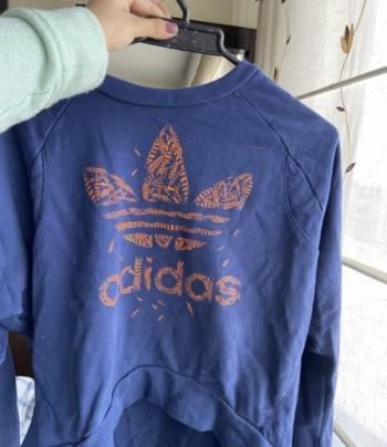Foto Carousel Producto: Saco crop top Adidas  GoTrendier