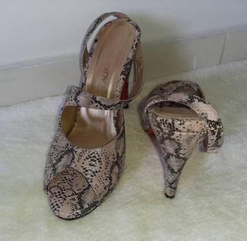 Foto Carousel Producto: Sandalias en cuero piton talla 37  GoTrendier
