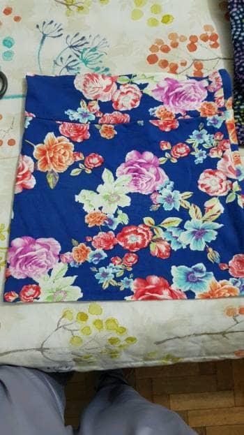 Foto Carousel Producto: Falda de flores azul GoTrendier