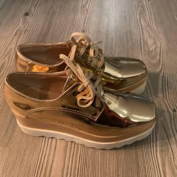 Foto Carousel Producto: Zapatillas con plataforma  GoTrendier