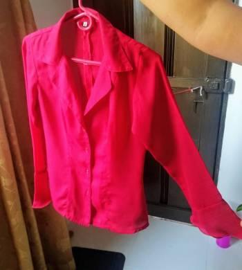 Foto Carousel Producto:  Blusa roja,en fina seda sin etiqueta GoTrendier