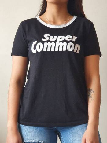 Foto Carousel Producto: Camiseta estampada Zara GoTrendier