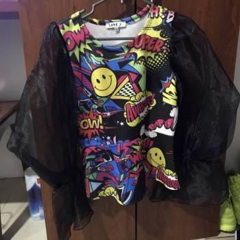 Foto Carousel Producto: Blusa con mangas anchas  GoTrendier