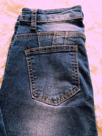 Foto Carousel Producto: Jeans dama color azul con desgastes GoTrendier