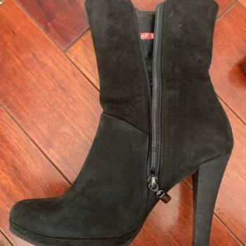 Foto Carousel Producto: Botas talla 37 en cuero negro GoTrendier