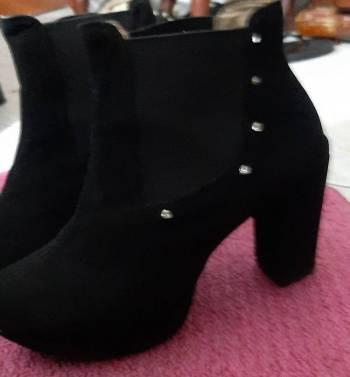 Foto Carousel Producto: Botines negros elegantes GoTrendier