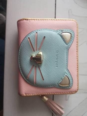 Foto Carousel Producto: Billetera rosada gato GoTrendier