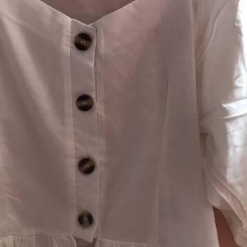 Foto Carousel Producto: Blusita blanca de botones GoTrendier