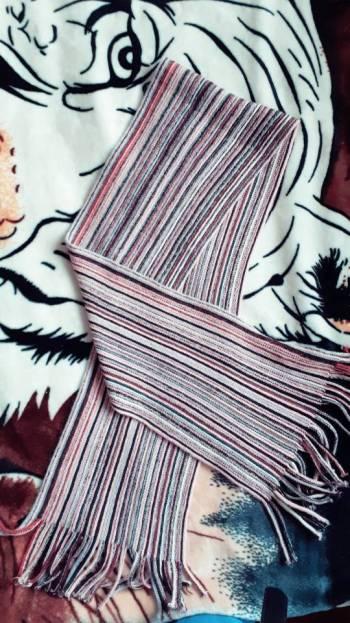 Foto Carousel Producto: Bufanda de rayas.  GoTrendier