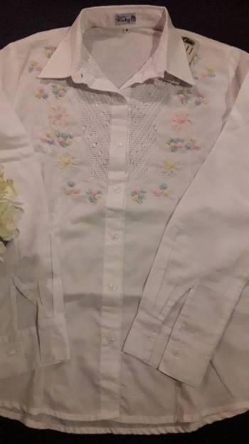 Foto Carousel Producto: Delicada blusa bordada a mano GoTrendier