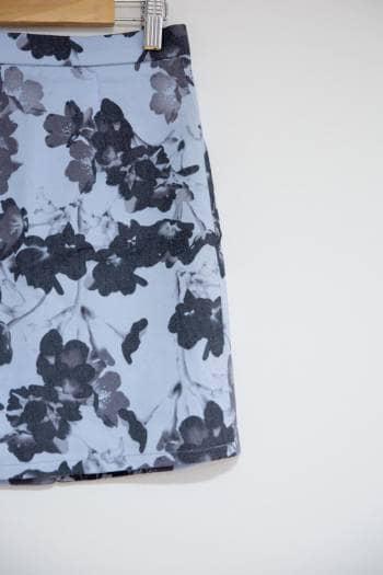 Foto Carousel Producto: Falda corta estampada GoTrendier