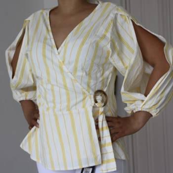 Foto Carousel Producto: Blusa a rayas amarilla GoTrendier