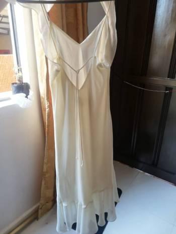 Foto Carousel Producto: Vestido beige perla, Americano GoTrendier